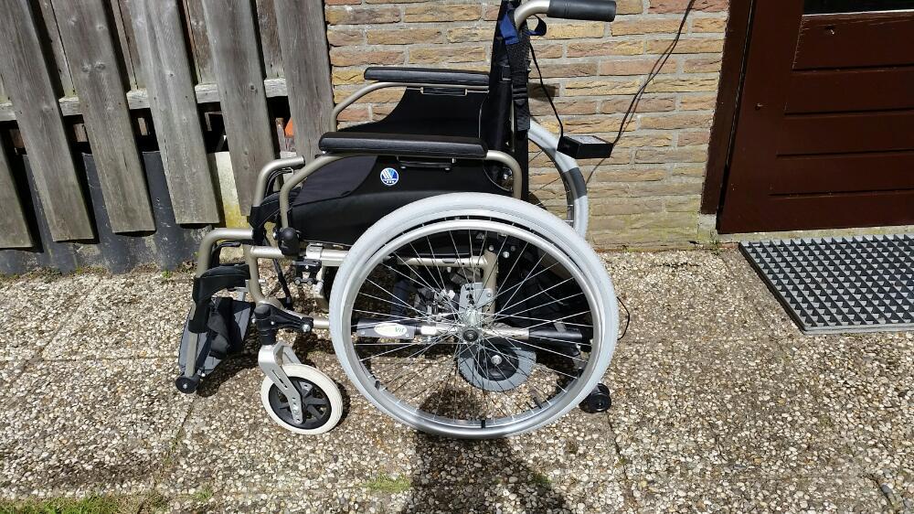 Gemotoriseerde rolstoel