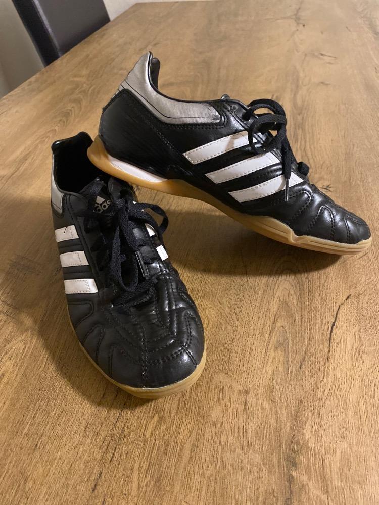 Adidas skór stærð 40