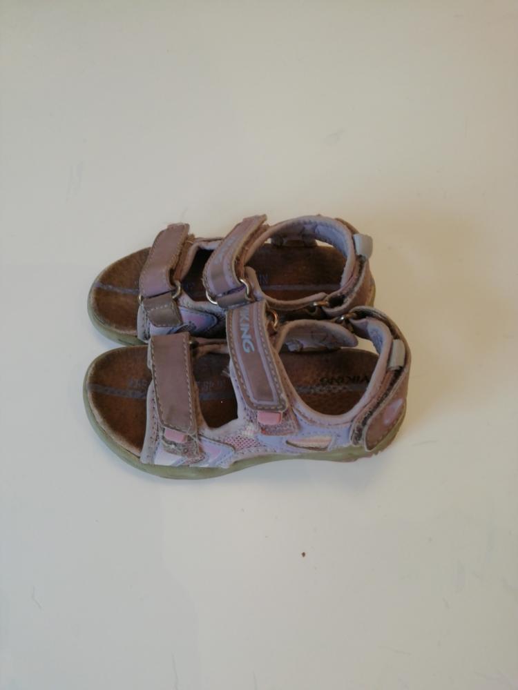 Viking sandaalit 24