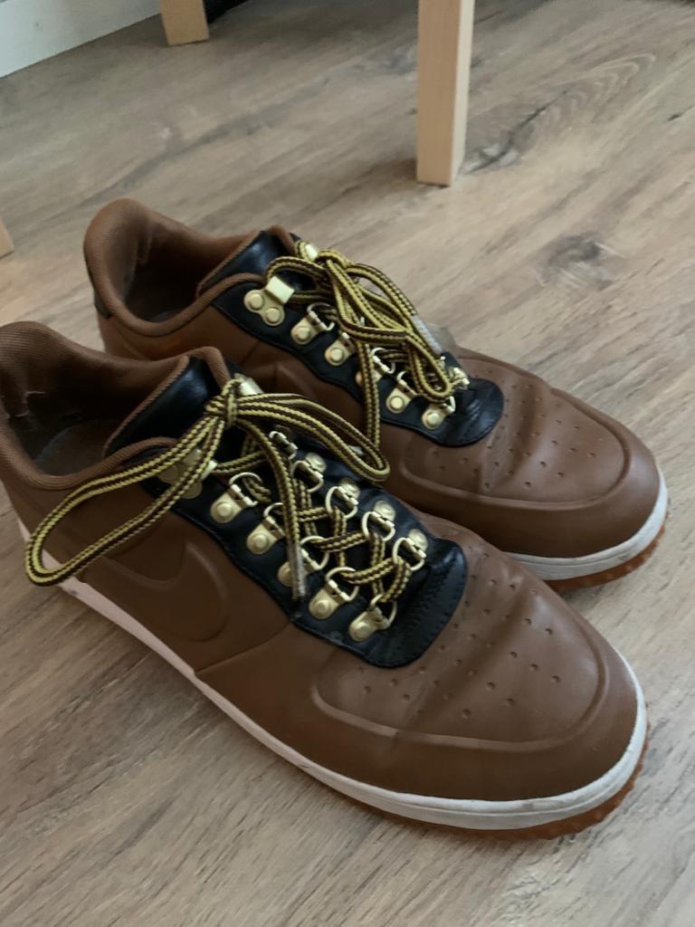 Nike Air Force-kengät, koko 44
