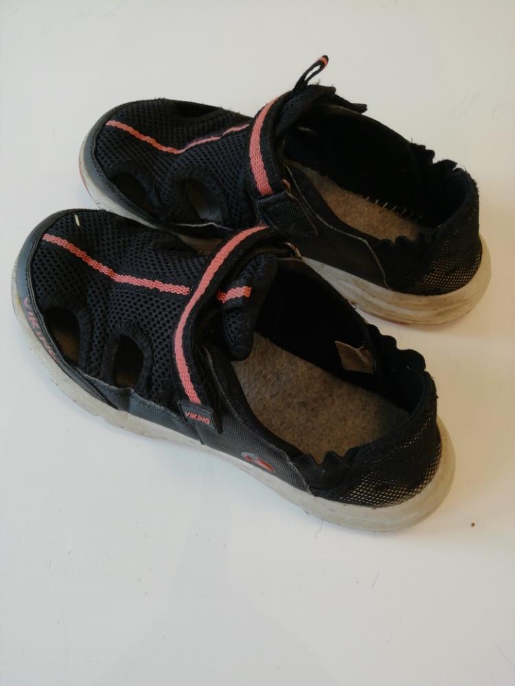 Viking sandaalit 36