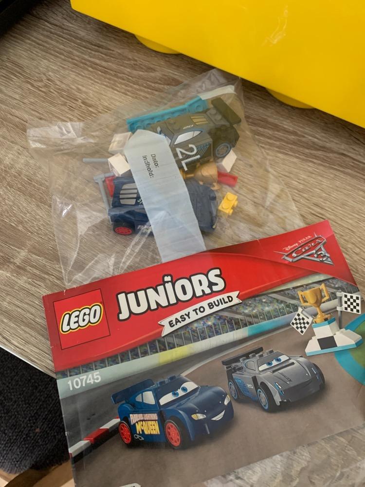 Lego junior 10745