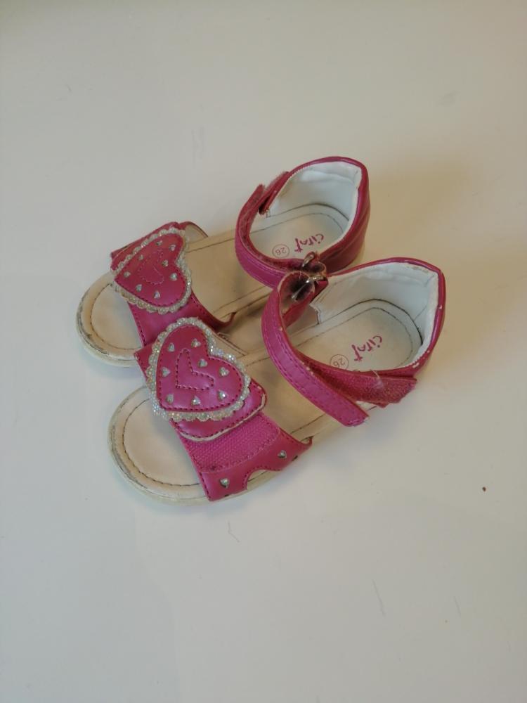 Sydän sandaalit 26