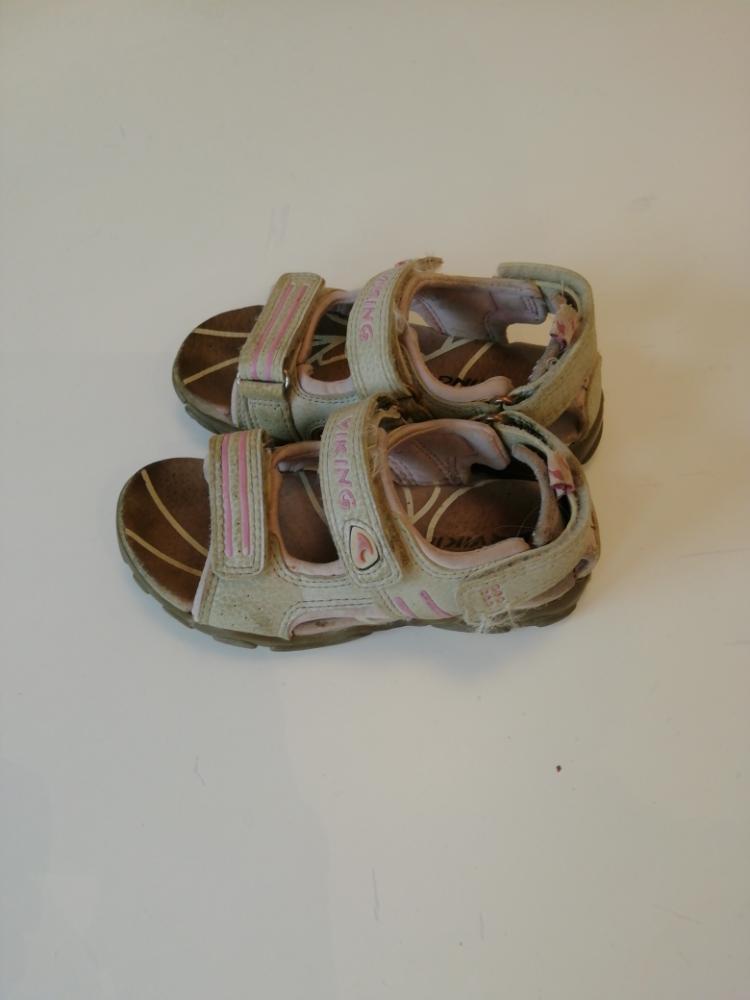 Viking sandaalit 26